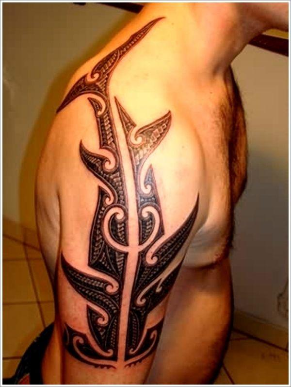 Tatuajes de tiburones polinesios