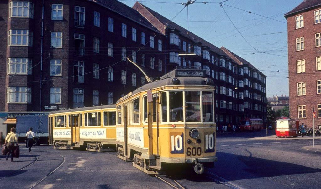 valby og k benhavn f r og nu tofteg rds plads 1935 1970 busser og sporvogne. Black Bedroom Furniture Sets. Home Design Ideas
