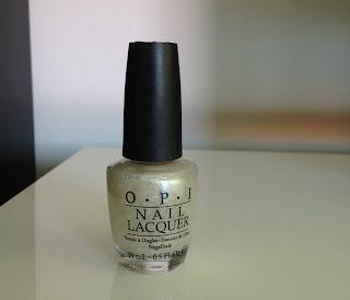 Monday Manicure: O.P.I Happy Anniversary