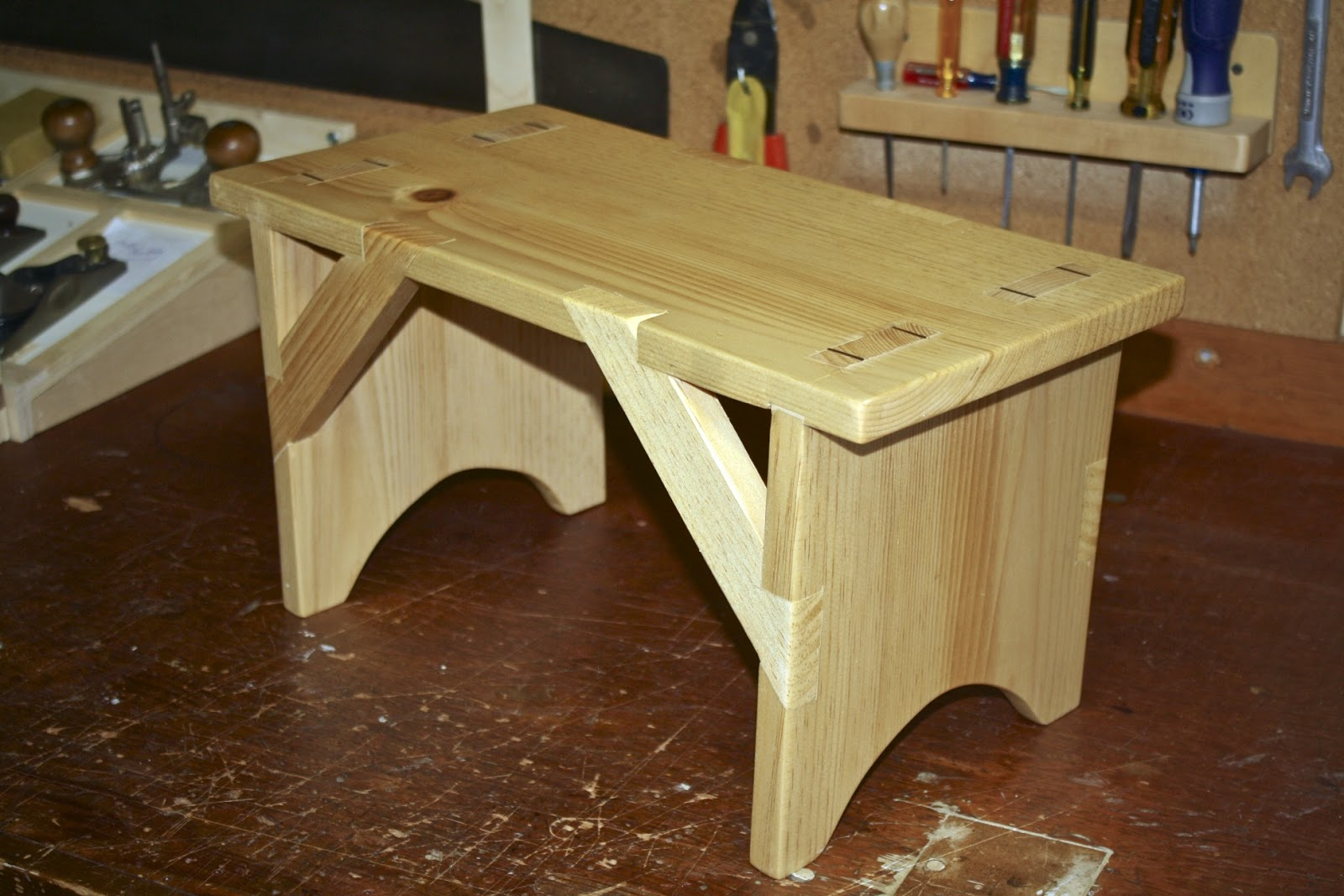 Alexander Woodworks: Shaker Bench Built with Hand Tools
