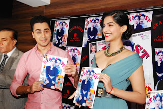 Sonam Kapoor and Imran Khan Launches Stardust Magazine (4).JPG