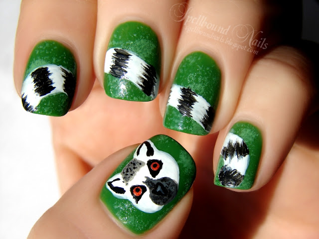 nails nailart nail art polish mani manicure Spellbound ABC Challenge hand drawn painted L is for Lemur Catta Ring Tailed Ring-Tailed animals primate tail stripes black white green gold orange