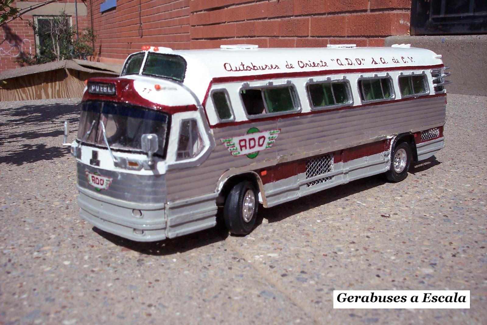Autobuses de dina fotografias