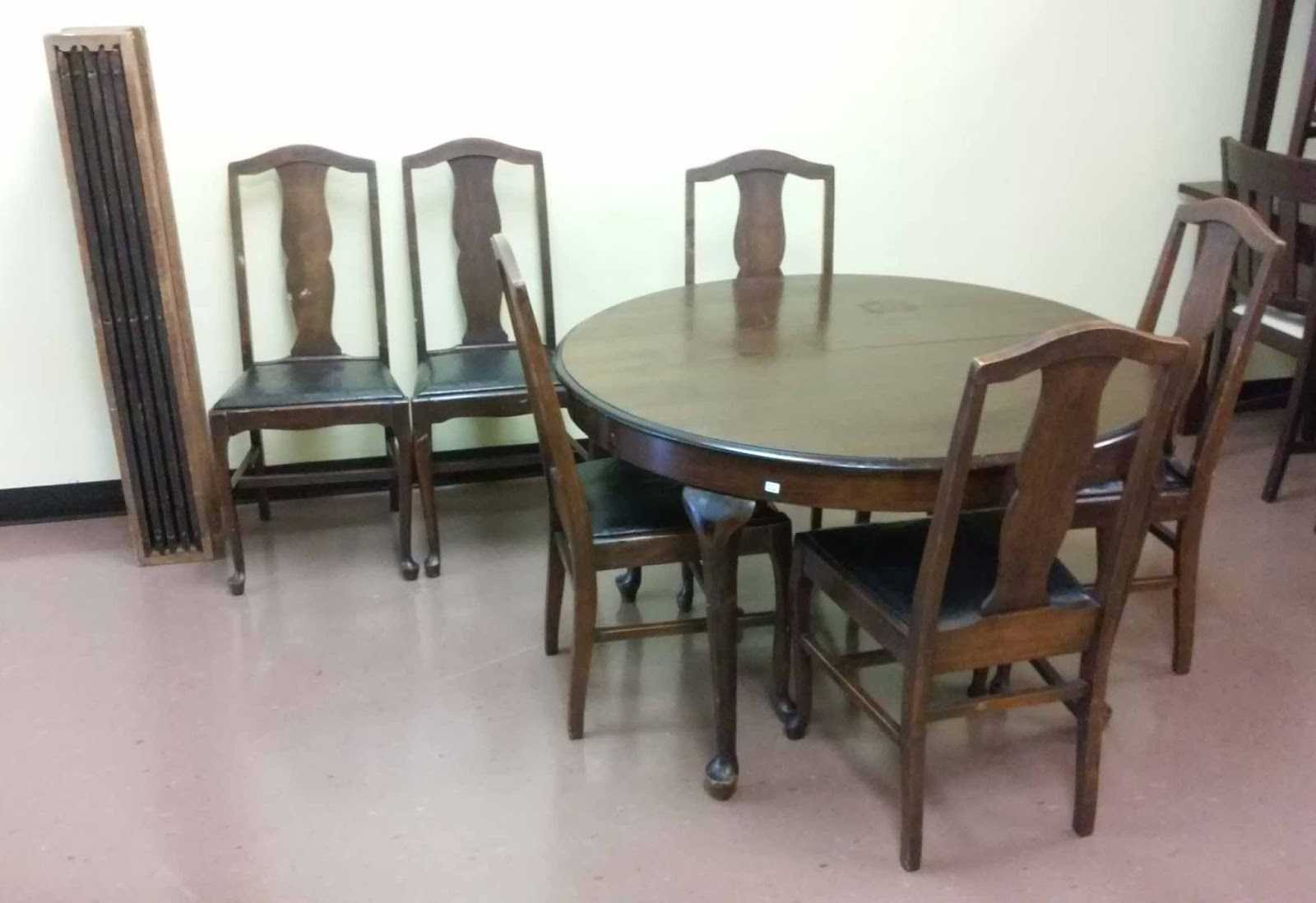 Uhuru furniture collectibles sold hickory chair co American classic furniture company