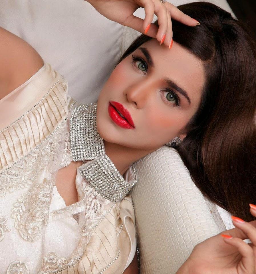 http://funkidos.com/pakistani-models-actors/pakistani-model-sana-sarfaraz-pictures-and-biography