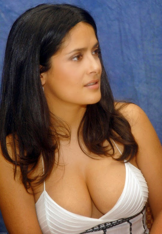 Salma-Hayek-Breasts