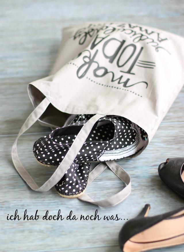 Tasche mit selbstgenähten Espandrilles