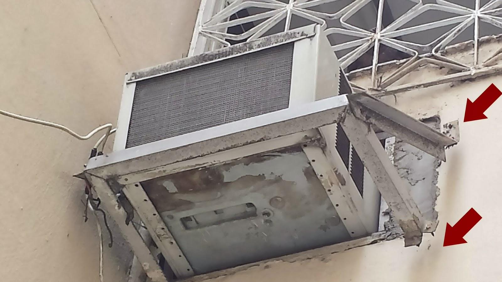 #6D3330 Vasos com plantas apoiados em beiradas de janelas. 4212 Instalar Ar Condicionado Janela Apartamento