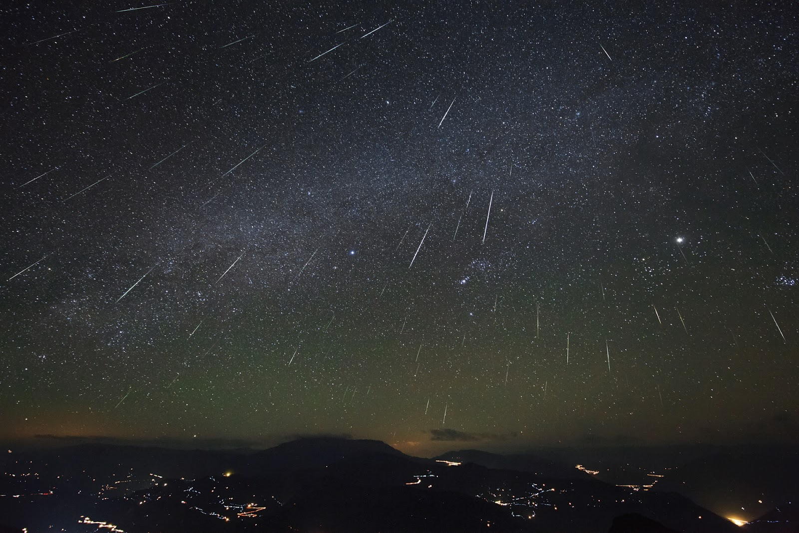 Geminid Meteors over Dashanbao Wetlands