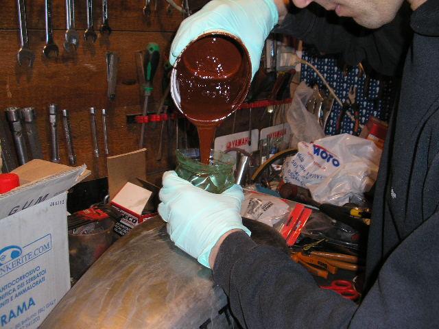 riparazione serbatoio moto