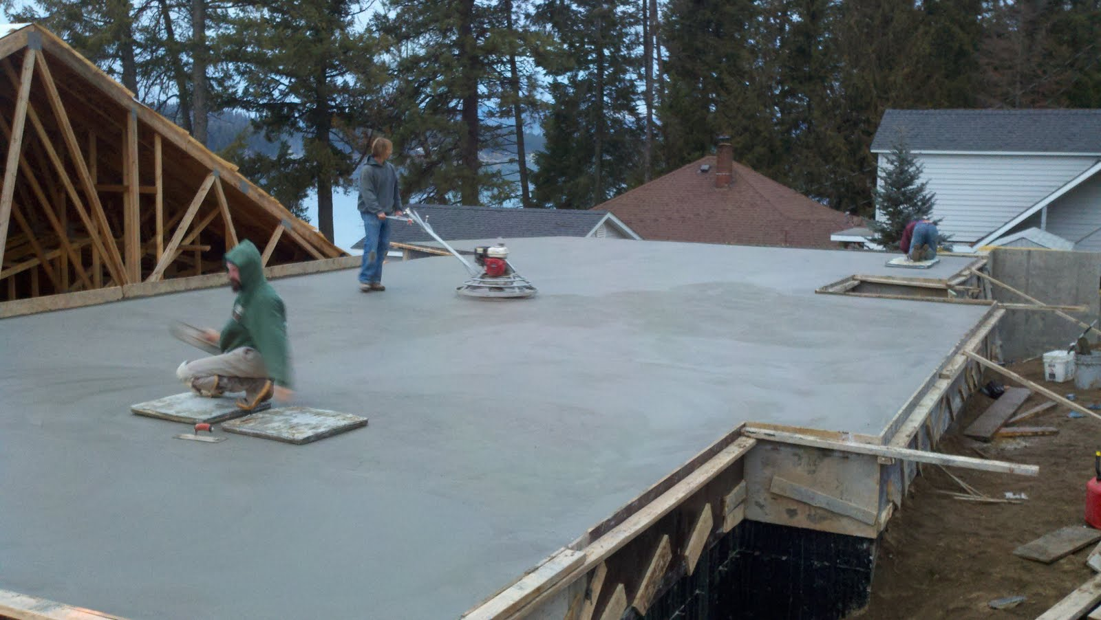 Tanner lake place the garage floor slab is poured in for Garage slab
