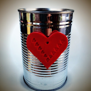 Aluminium tin with clay heart