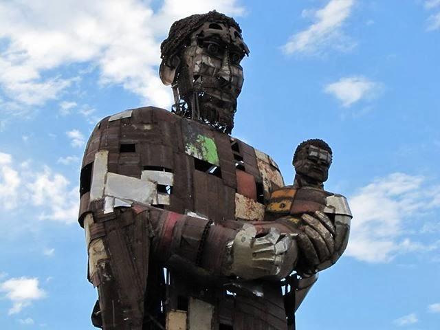 Campa a para terminar la escultura de hierro de san - Hierros san cayetano ...