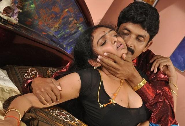 Kamapichachi Desi Actress Images