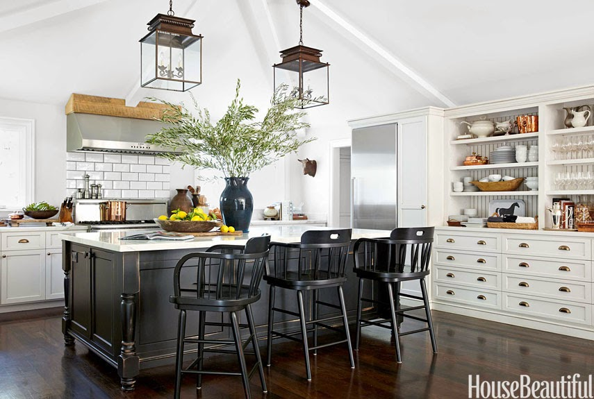 Loveisspeed a layered california house designed by for Pottery barn style kitchen ideas