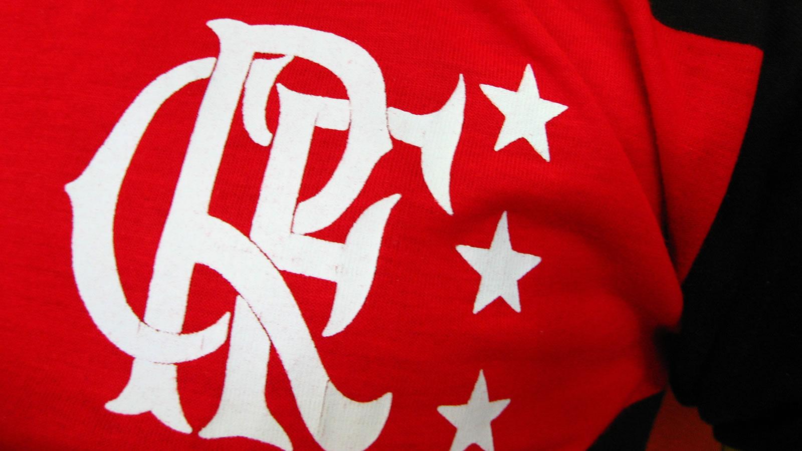 http://1.bp.blogspot.com/-zb-zHjBsqTk/UOYaoCVjDQI/AAAAAAABGLw/s4D_Gq2jFA0/s1600/wallpaper-+Flamengo+-wallpaper.jpg