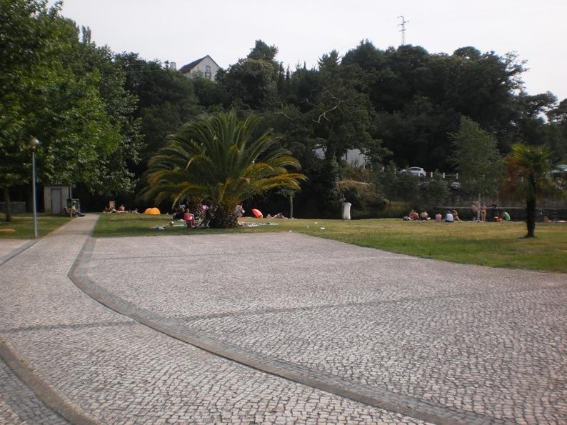 Vista da área de lazer e descanso da Praia Fluvial