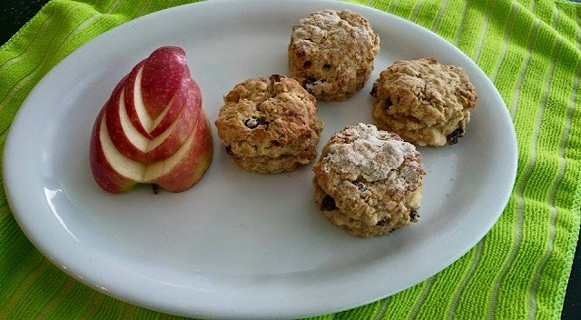 Weekend Bake - Ginger apple and Mixed fruit scones