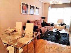 Piso de tres dormitorios en venta en Vioño, Avd. de Arteixo, soleado, garaje. 275.000€