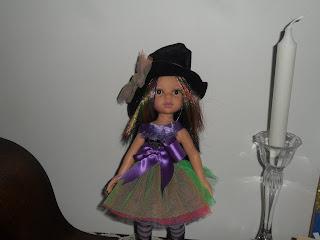 32 cm doll