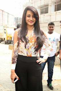 Actress trisha latest stills 3