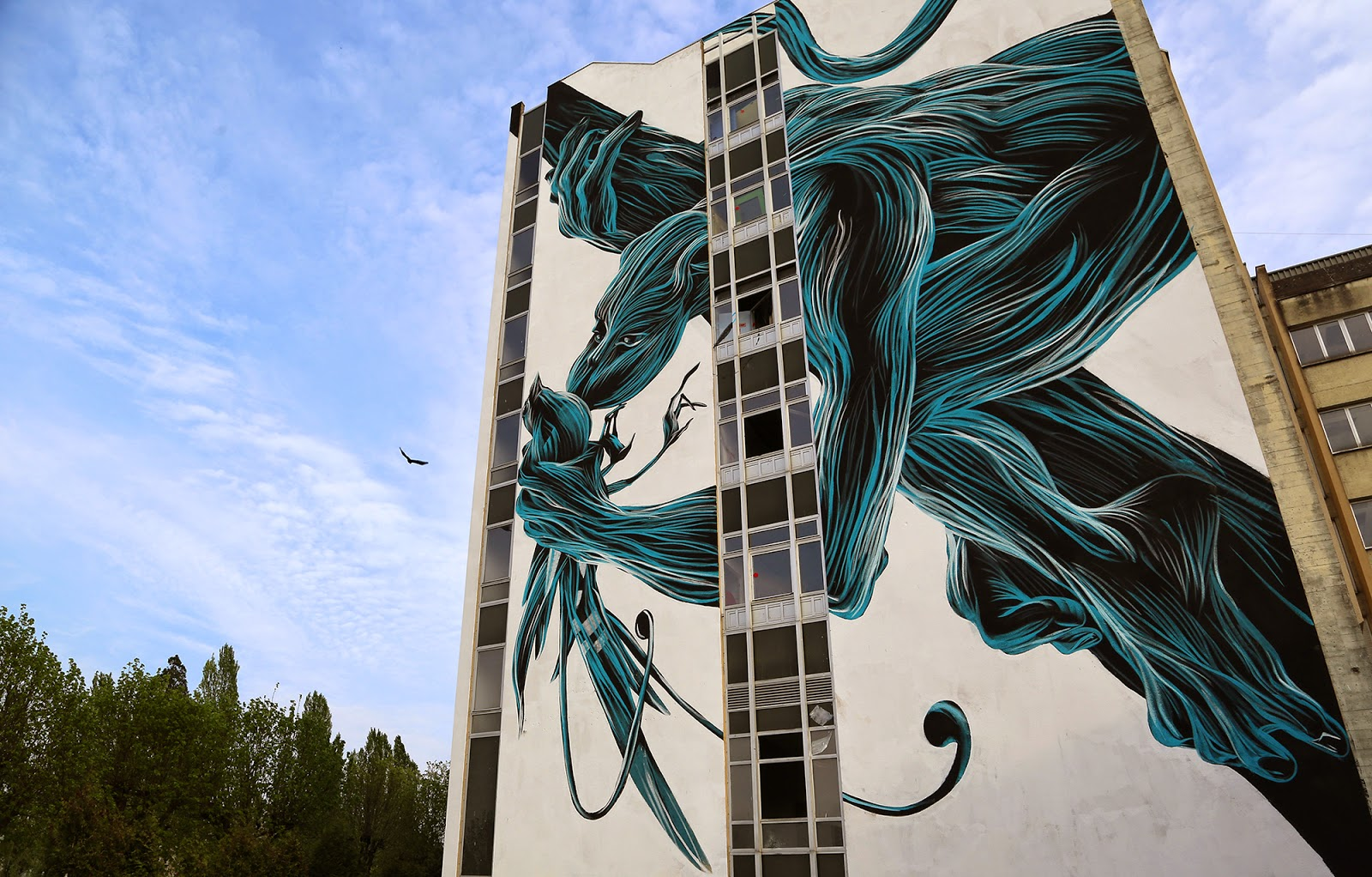 Portuguese artist Pantonio is currently in France where he spent the last few days working on this massive artwork somewhere on the streets of Lagny Sur Marne.