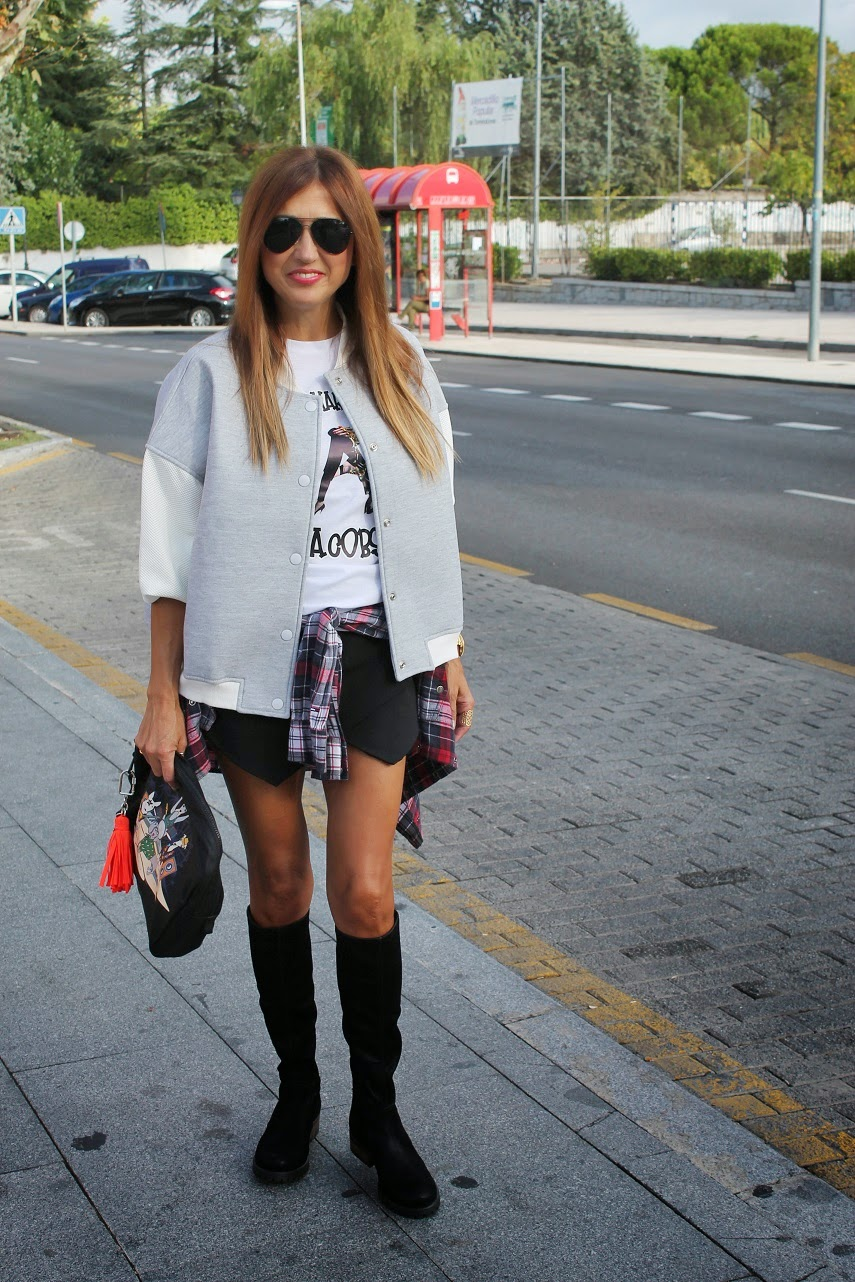Street Style, Blog de Moda en Madrid, Seraphita, Isadora, Designdreams, Boots, Tshirt, Jacket, leather, Fashion, Cool, Saturday