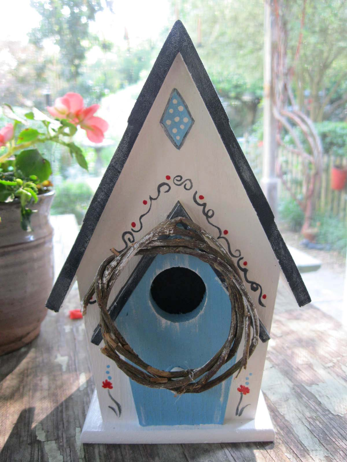 Donna 39 s art at mourning dove cottage a bird house for Dove bird house