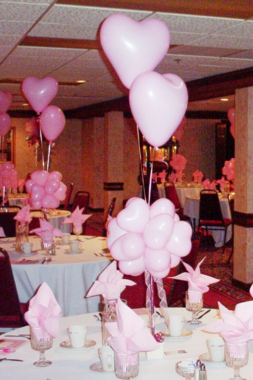 Balloon designs pictures balloon centerpiece ideas for Ballon wedding decoration