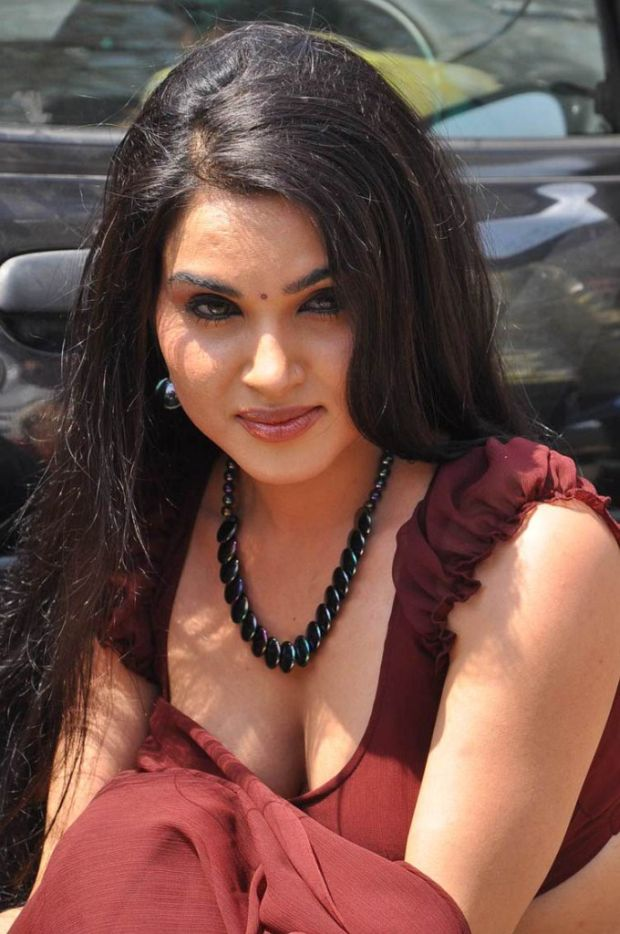 Kavya Singh Hot Videos CenimaGallary: ...