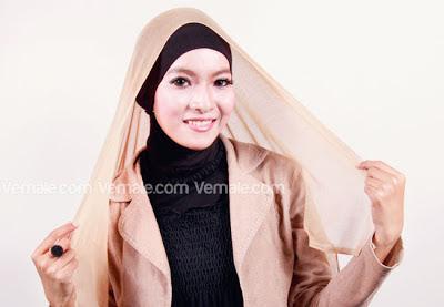 Tutorial Jilbab Polos Sederhana dan Praktis