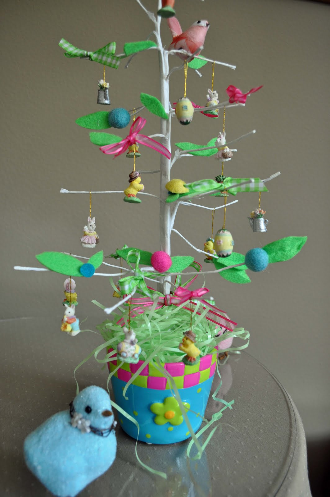 Katydiddys Decorating An Easter Tree