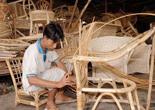 Rotan tohiti digunakan untuk rangka pembuatan furnitur