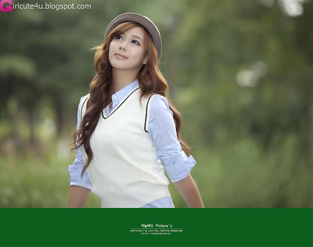 7 Kim Ha Yul in Mini Skirt-very cute asian girl-girlcute4u.blogspot.com
