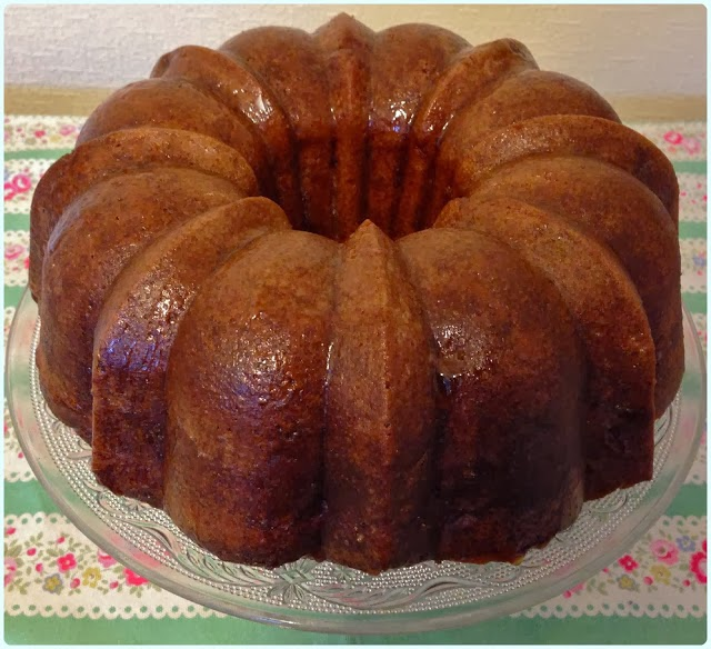 Spiced Apple and Sultana Bundt
