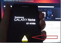 Segitiga Kuning Handphone Samsung