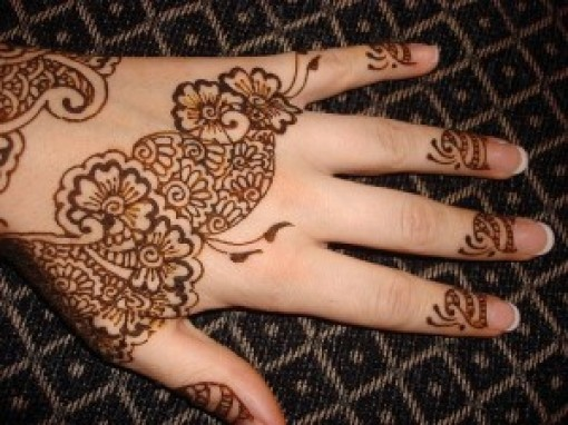 Mehndi Designs on Hand For Girls