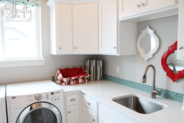beachy laundry room decor ideas