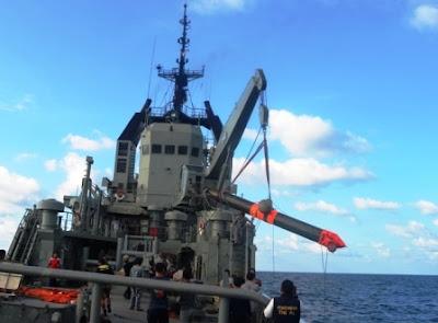 http://1.bp.blogspot.com/-zcah_dcn37o/T-AbIkEIebI/AAAAAAAAOao/aXmRwJKeeE0/s1600/14+torpedo+kri+nanggala+tepat+mengenai+sasaran.1.jpg