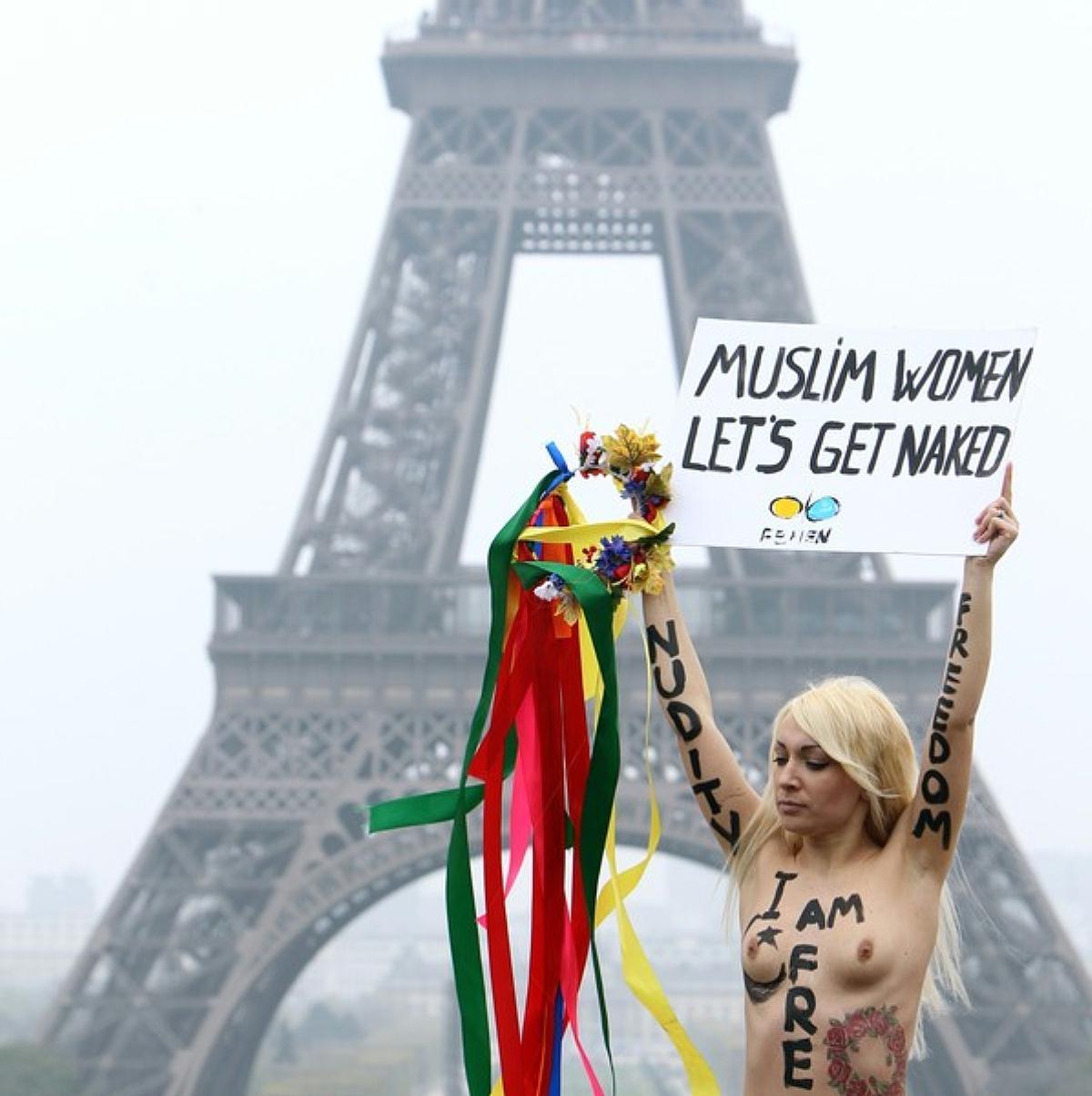 http://1.bp.blogspot.com/-zcok3UCvwkA/T36UYpbXULI/AAAAAAAAPbQ/PG4ejDXVDgI/s1600/Femen+6.jpg