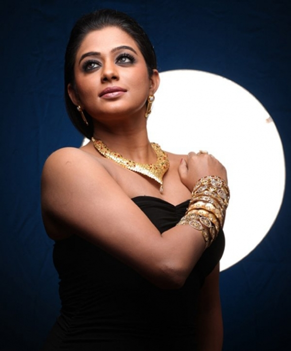 priyamani spicy hot photoshoot