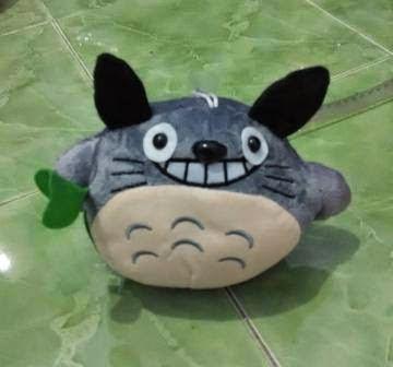 Boneka lucu dengan karakter Totoro untuk koleksi atau kado ulang tahun dan pernikahan