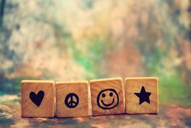just smile...heeee.....  ^_^