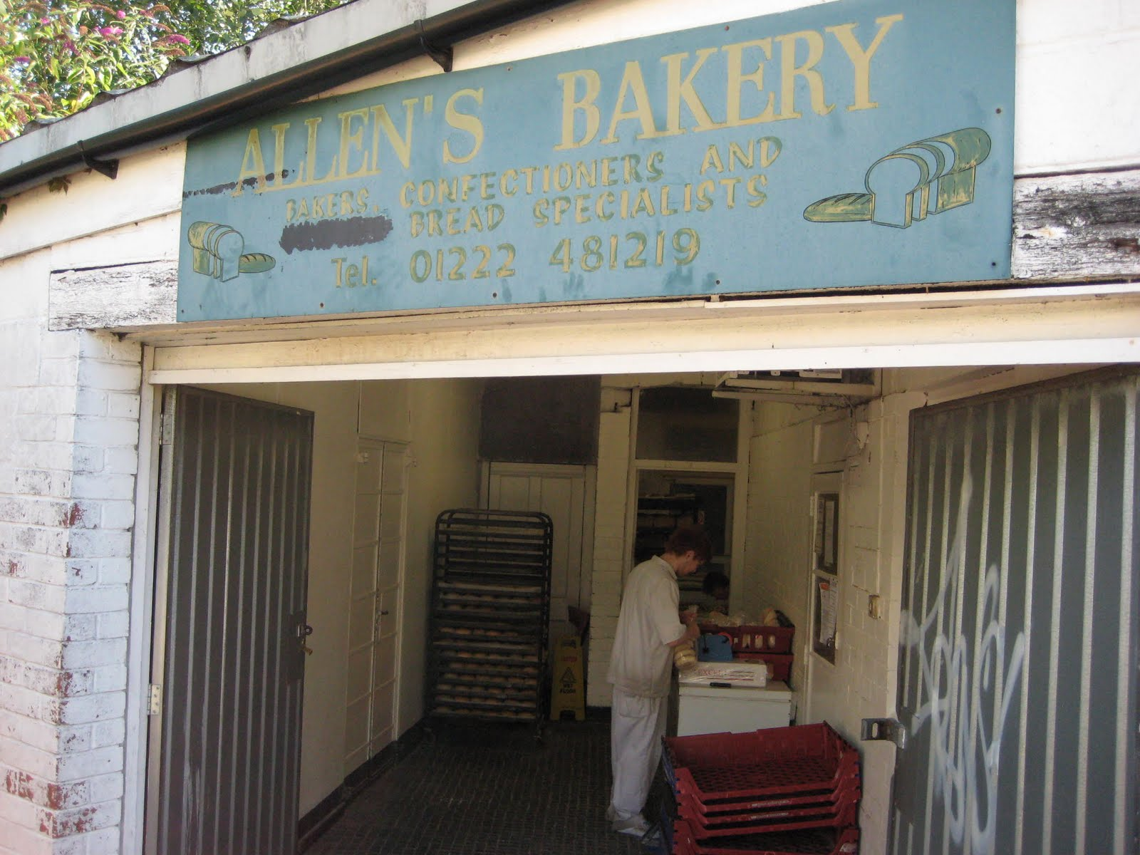 GourmetGorro: Allen\'s Bakery, Arran Place, Roath, Cardiff Review
