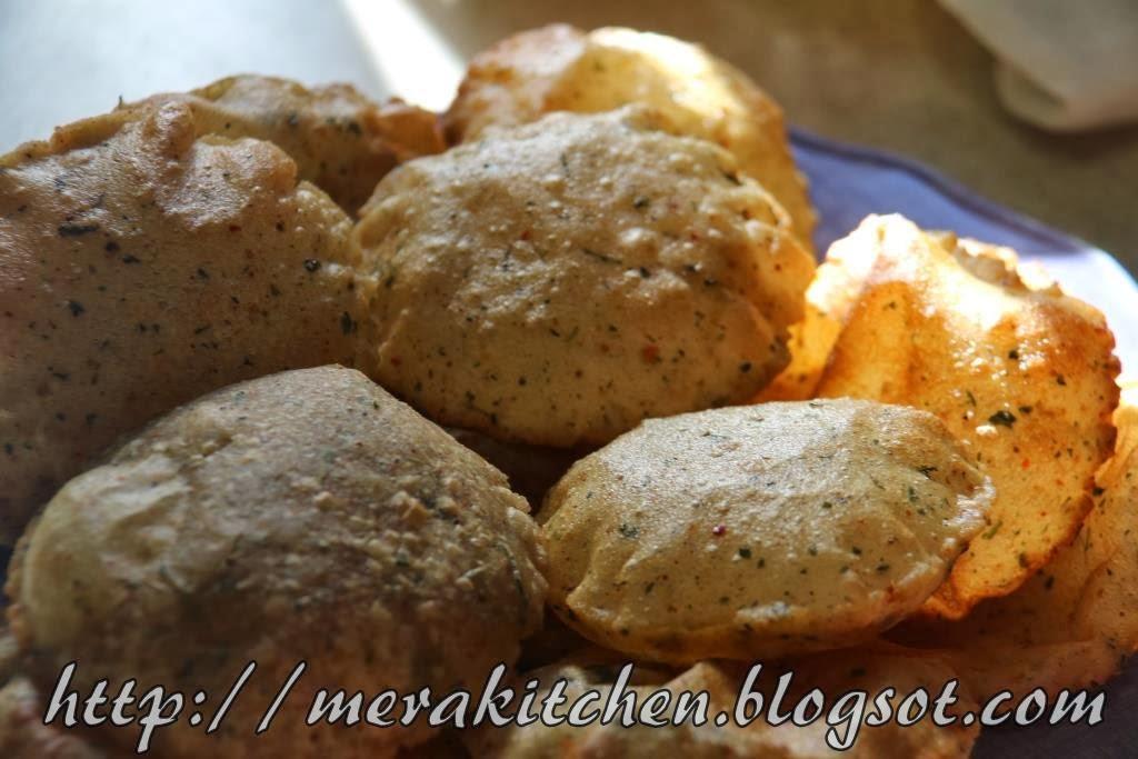 makke ki masala poori (masala poori made with maize flour)