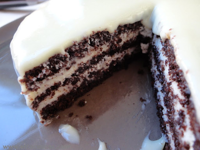 Tarta de chocolate blanco, nata y mascarpone