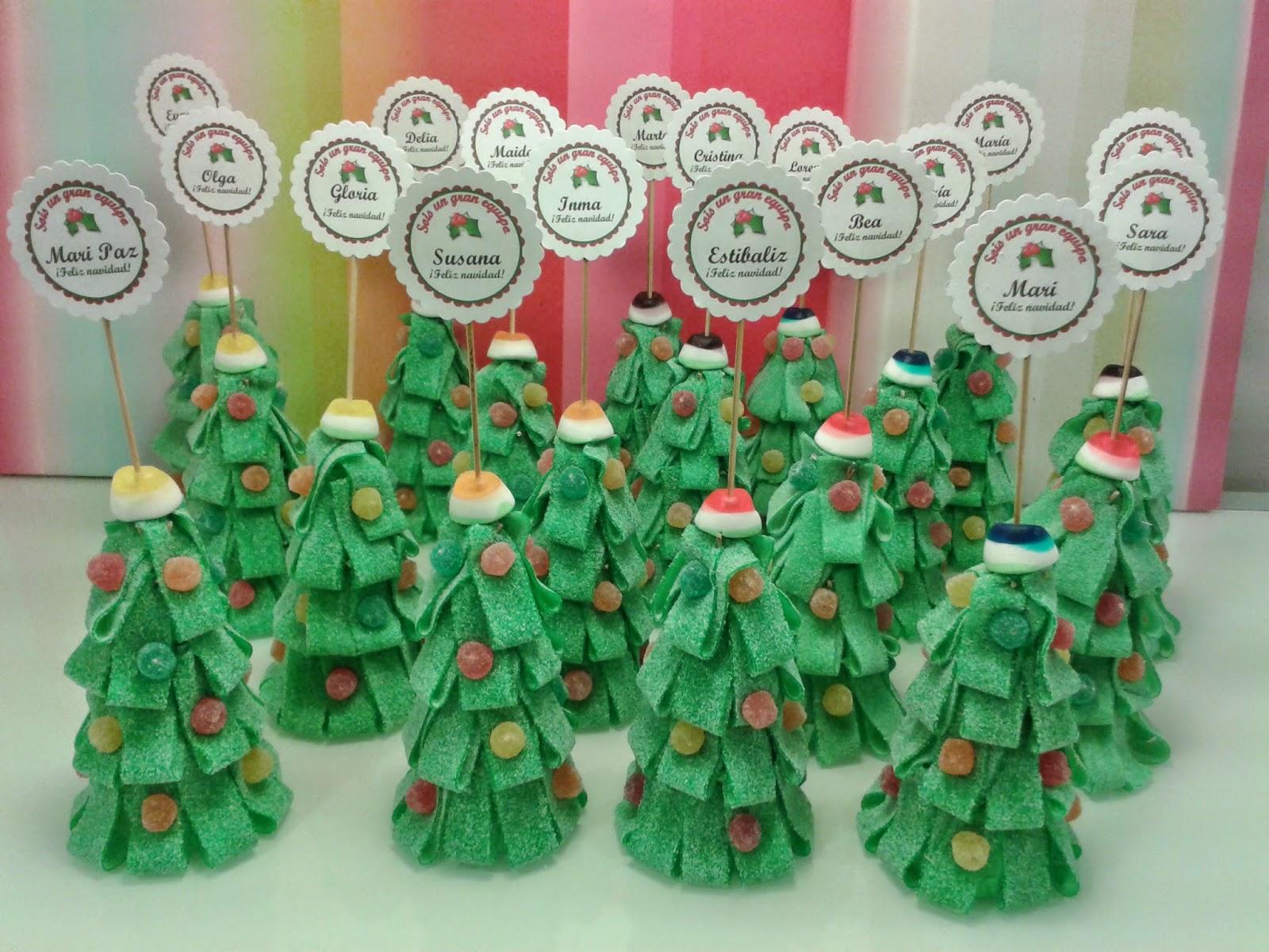 Chuchedetalles pamplona rboles de navidad de chuches - Arbol de navidad con regalos ...