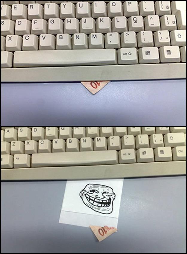 Trolling Idea -  Fake Money Under The Keyboard