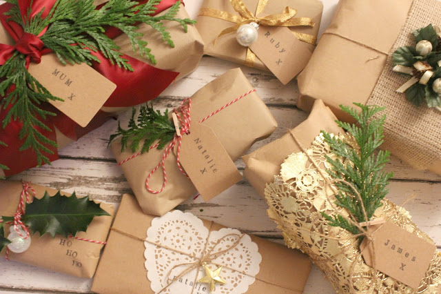 Christmas gift wrapping ideas with brown paper sleek chic for Wrapping present ideas for christmas