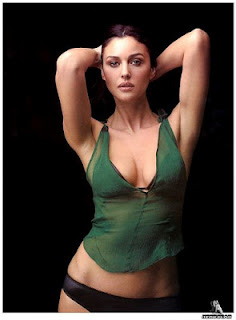 Monica Bellucci nuda